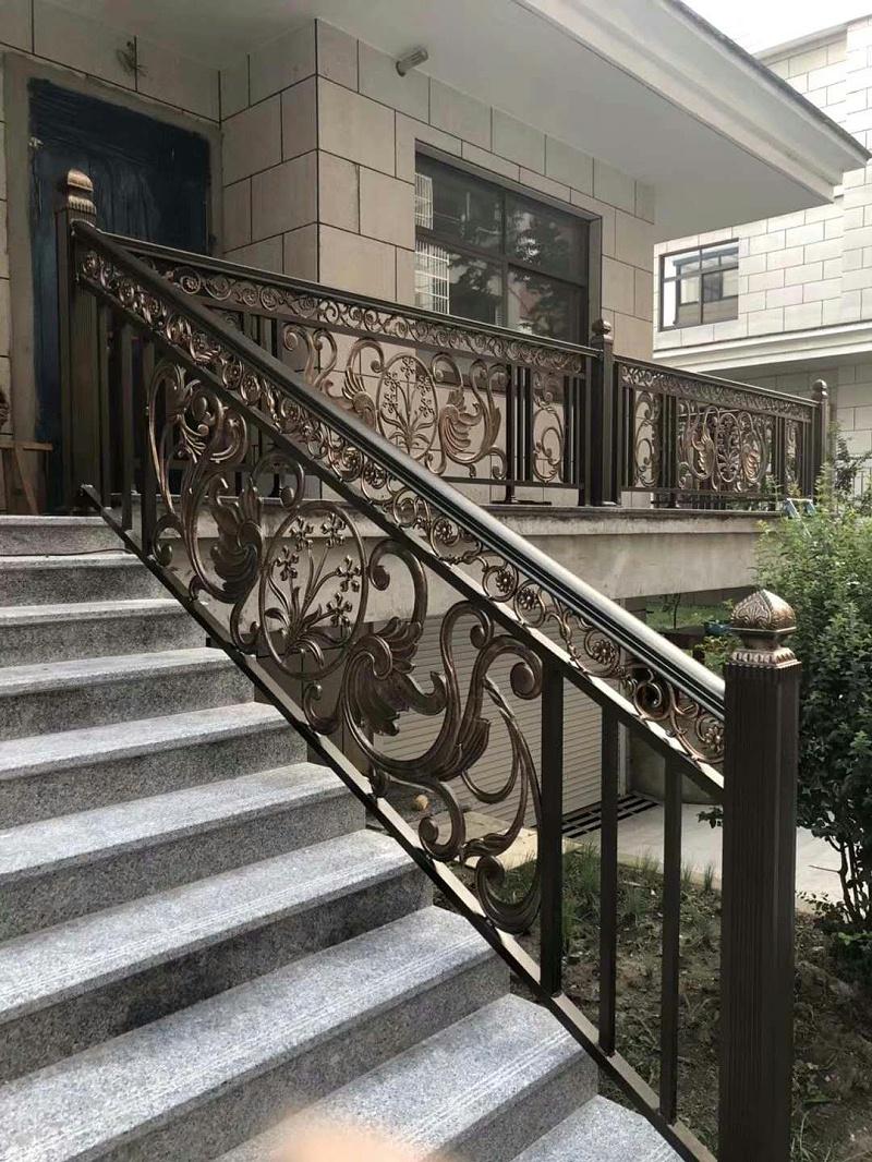 铝艺楼梯扶手该怎么选择