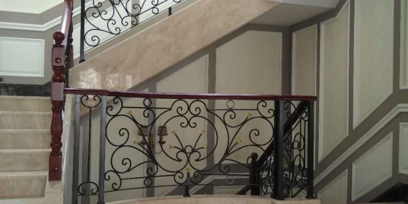 如何选择楼梯扶手