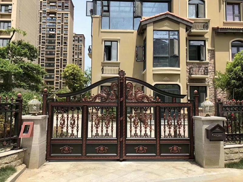 高端别墅庭院得选铝艺大门