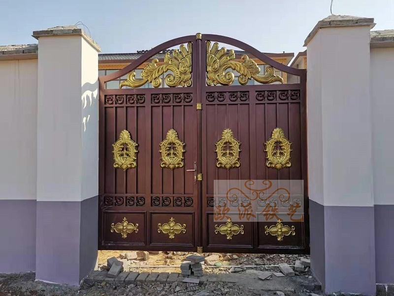 九五至尊系列锌钢烤漆大门