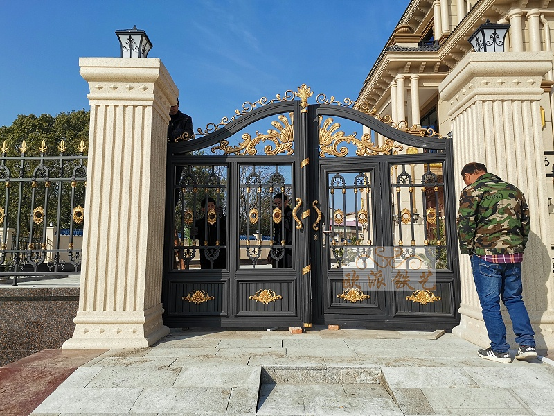 门型花铝艺庭院门案例